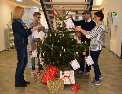Wunschbaum im Foyer des Rathauses